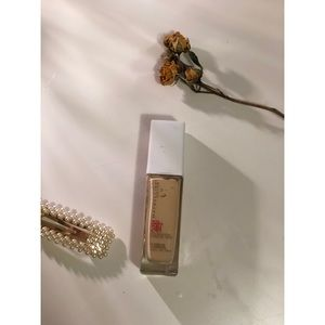 Other - Maybelline superstay foundation in ivory